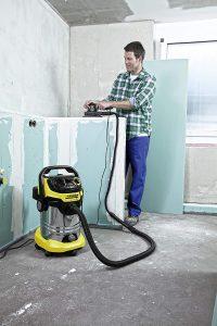 Comment choisir un aspirateur eau et poussière