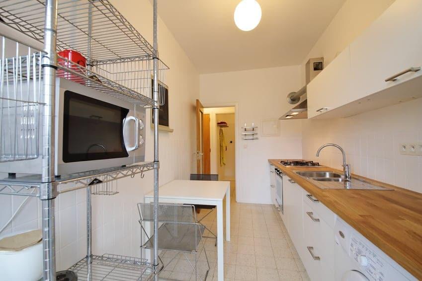 Conseils et astuces pour agrandir une petite cuisine bricolea - Astuce petite cuisine ...