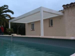 pergola bioclimatique piscine