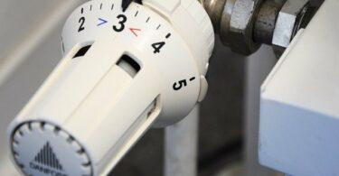 Comment changer une tête de robinet thermostatique de radiateur