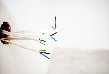 Comment détecter les fils électriques dans un mur