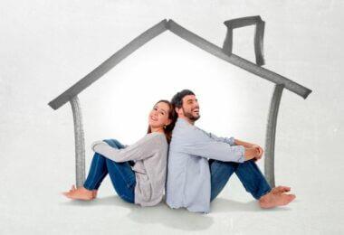 couple dans une maison dessinée
